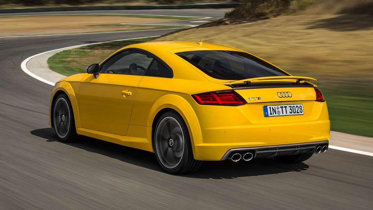 Audi TTS 2020-2021 фото сзади