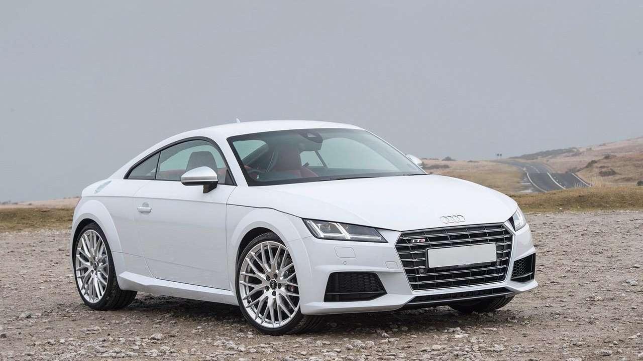Фото спереди Audi TTS 2020-2021