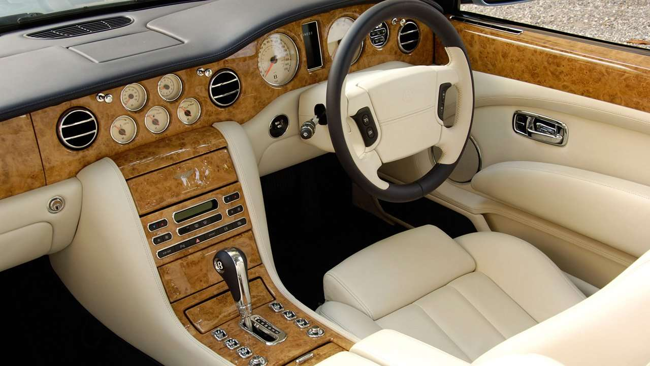 Bentley Azure интерьер