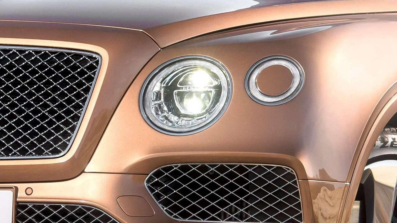 Bentley Bentayga фото передних фар
