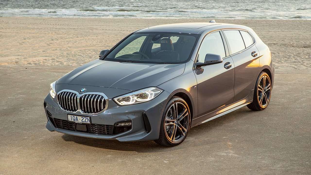 BMW 1-Series F40 фото спереди