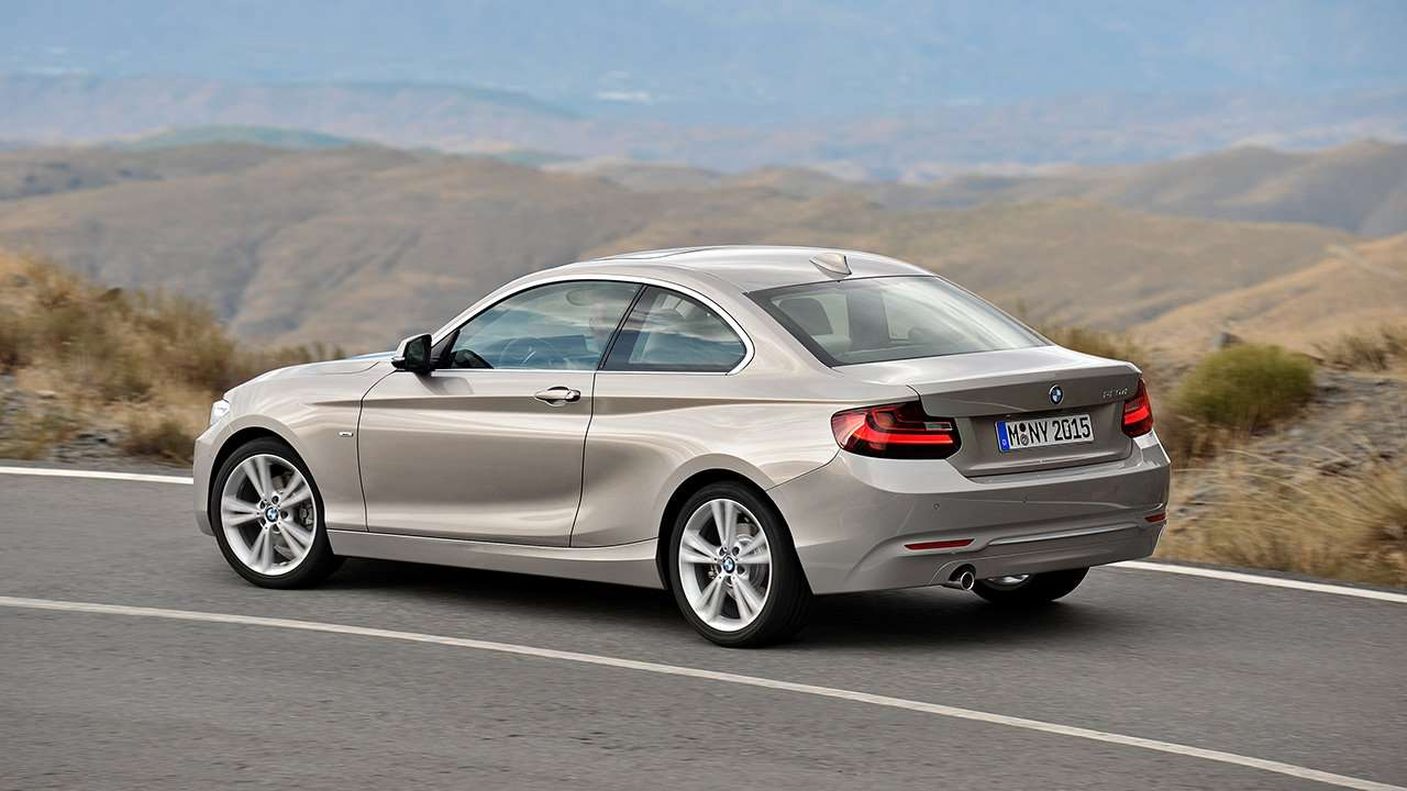 BMW 2-Series Coupe F22 фото сзади