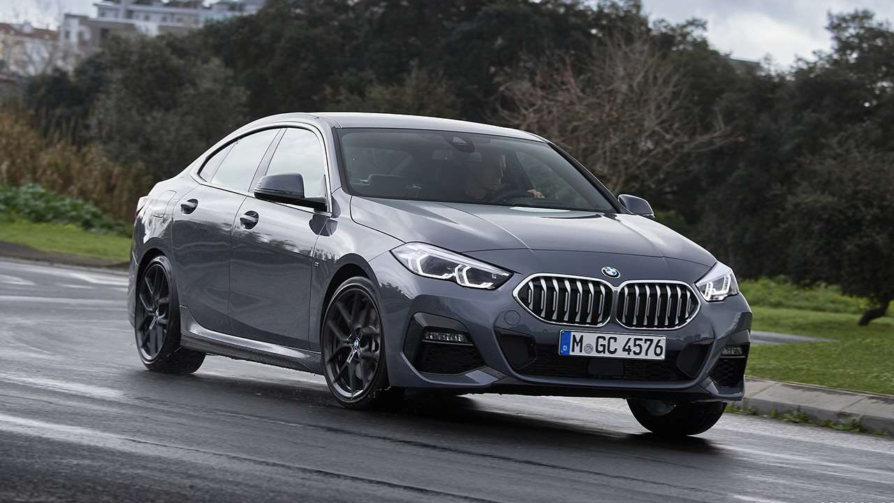 Фото серой BMW 2-Series 2020-2021