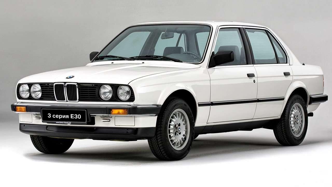 BMW 3-Series e30 фото спереди