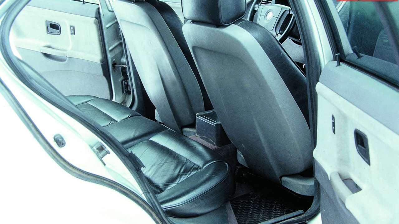 BMW 3-Series e36 задний ряд