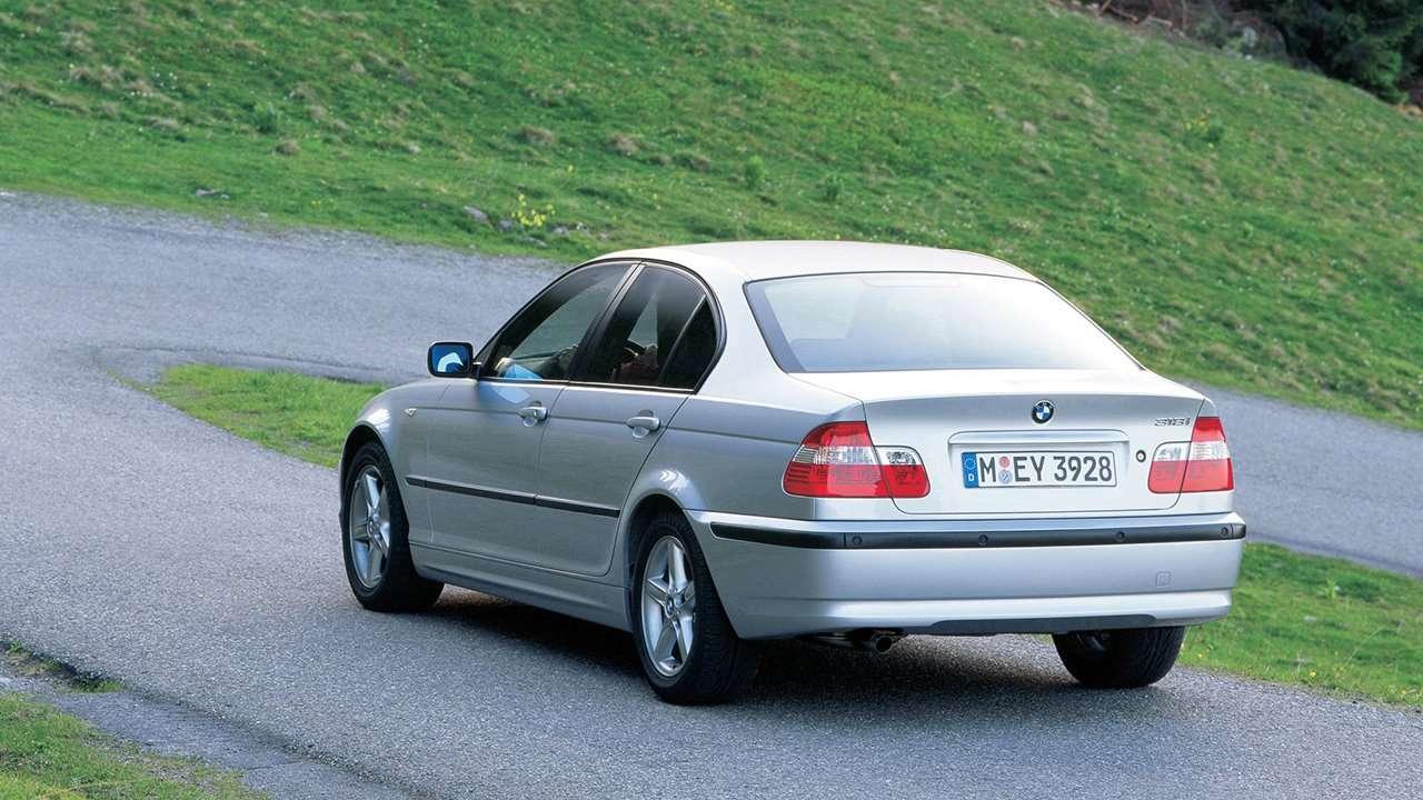 BMW 3-Series e46 фото сзади