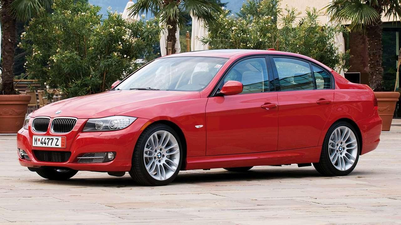 BMW 3-Series e90 фото спереди