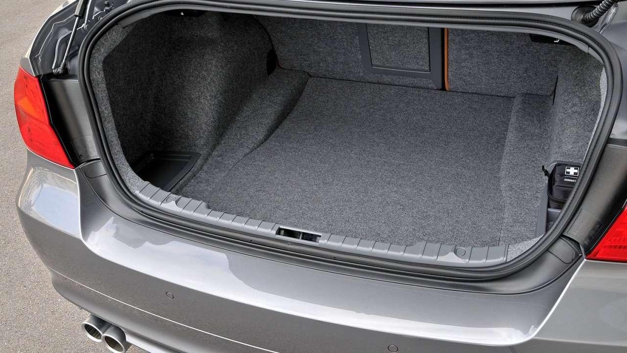 BMW 3-Series e90 багажник