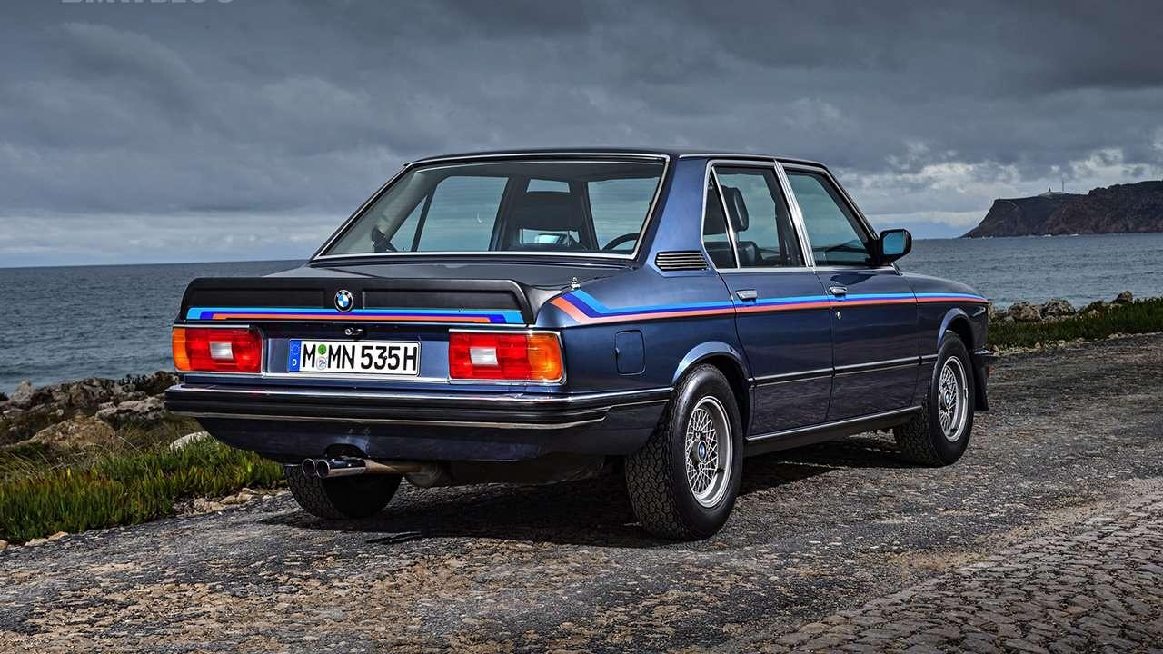 BMW 5-Series e12 фото сзади