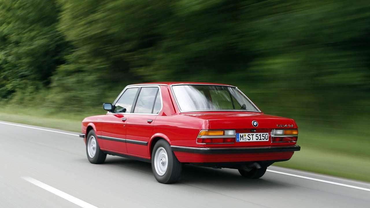 BMW 5-Series e28 фото сзади