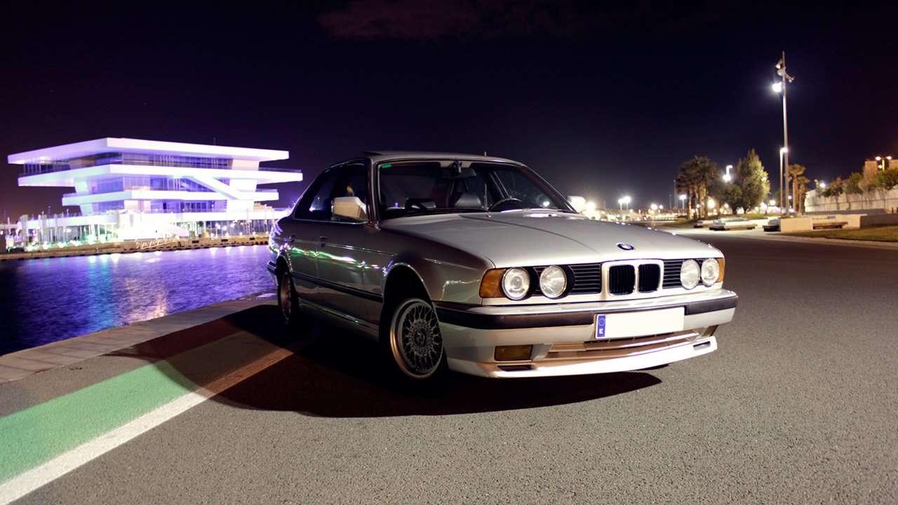 BMW 5-Series e34 вид спереди