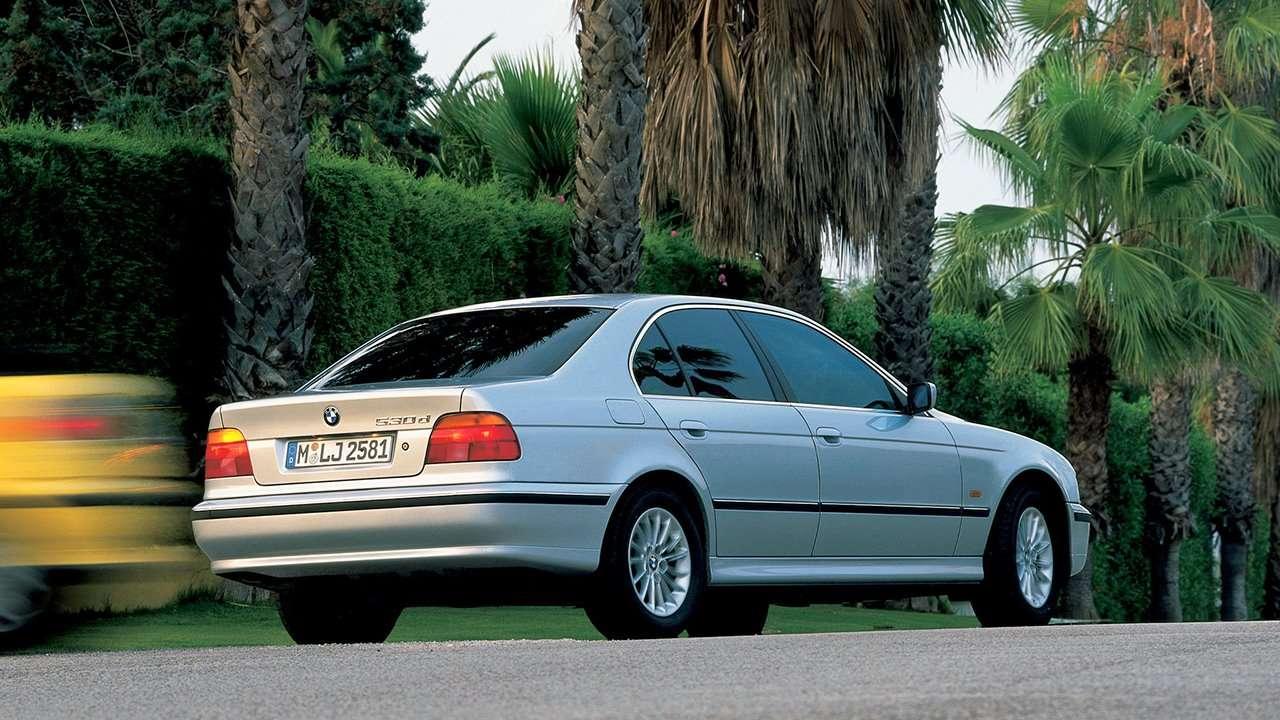 BMW 5-Series e39 фото сзади