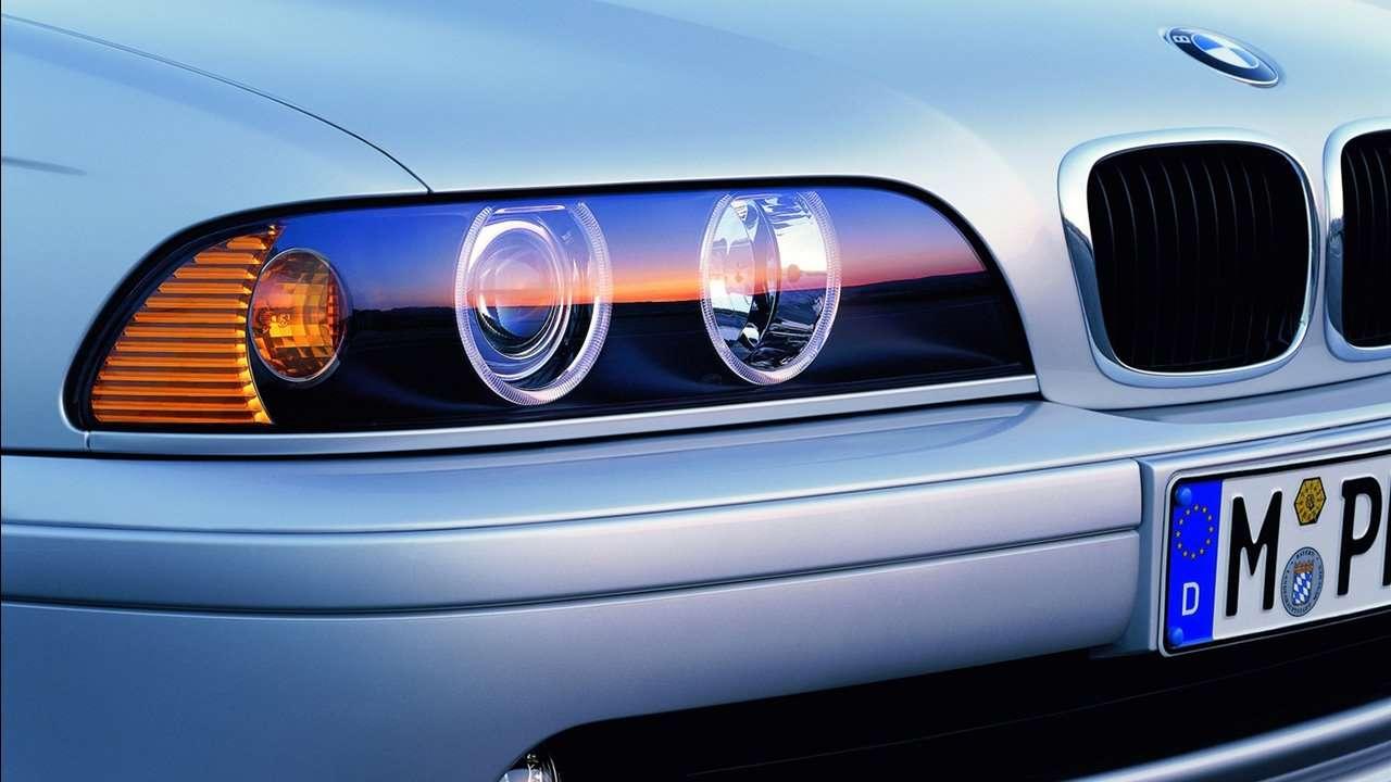 BMW 5-Series e39 передняя фара