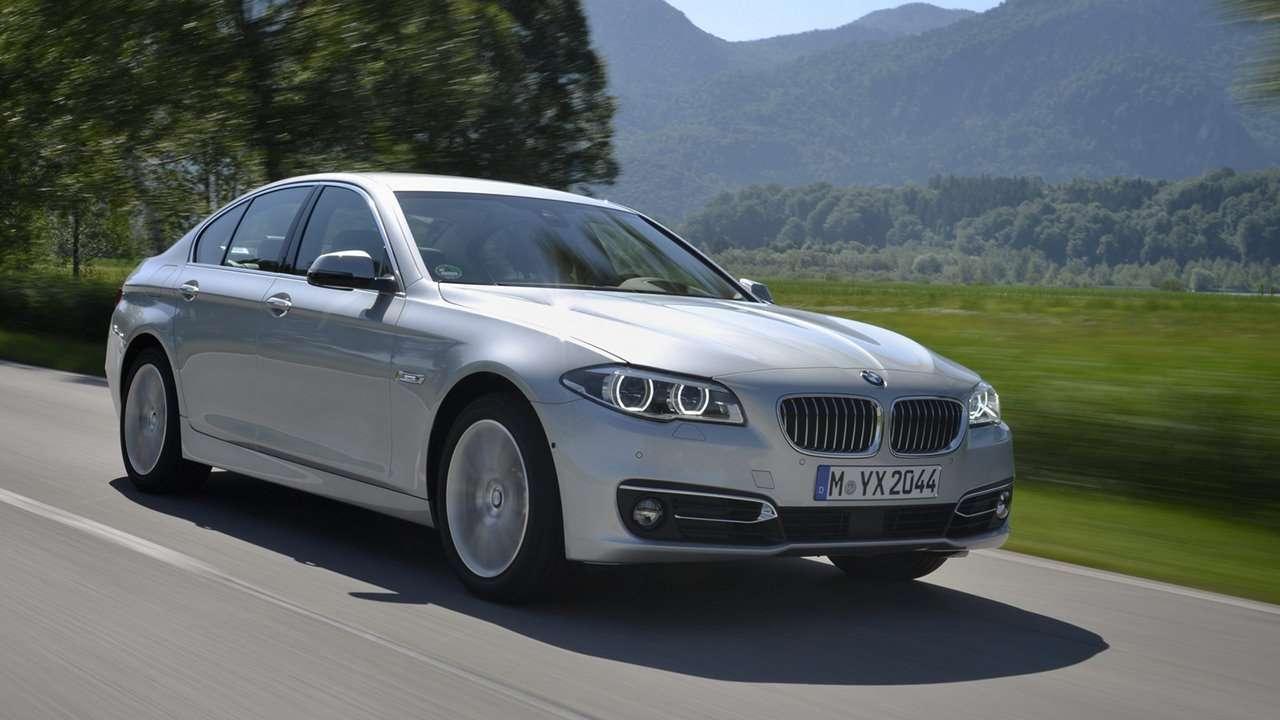 BMW 5-Series F10 фото спереди