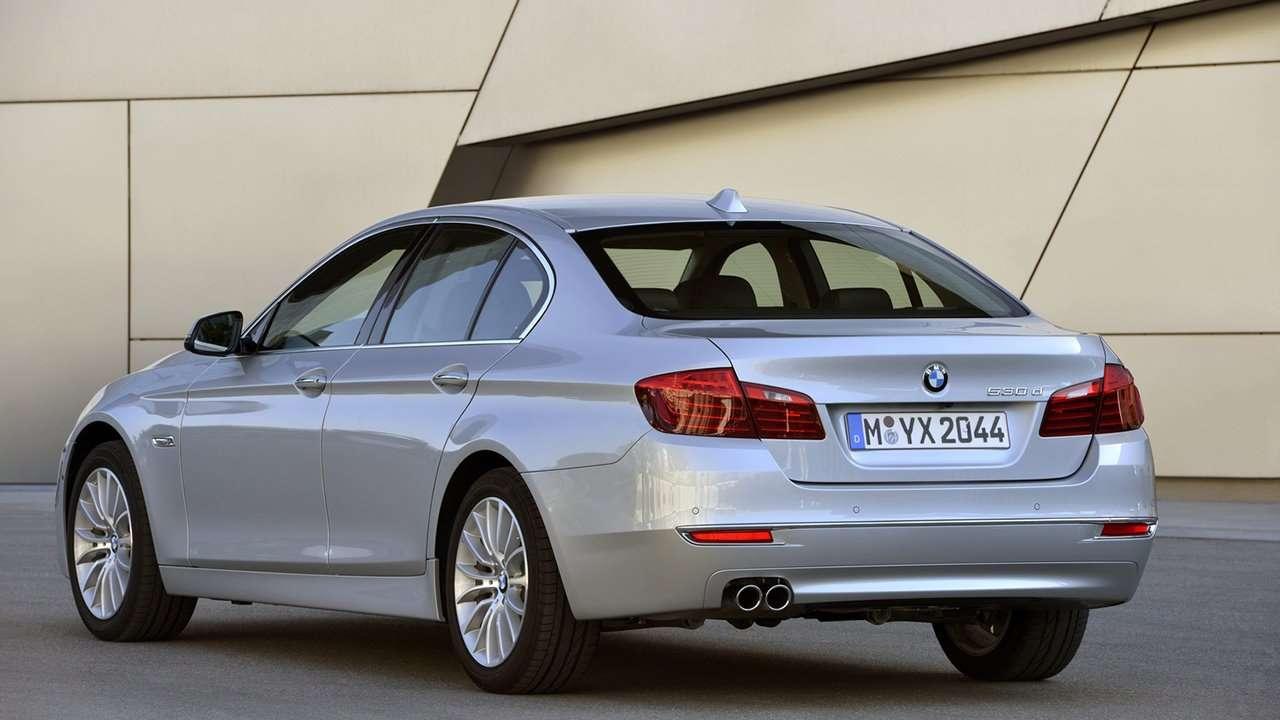 BMW 5-Series F10 фото сзади