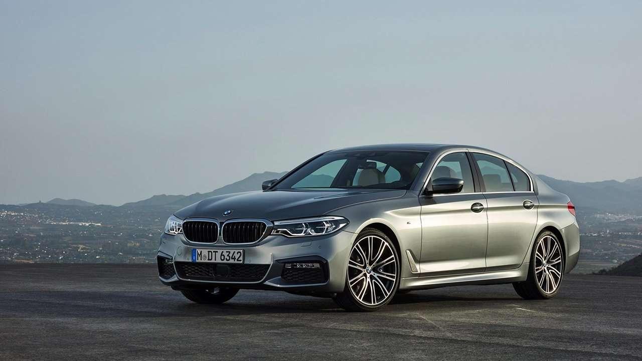 BMW 5-Series 2020-2021 G30 фото спереди