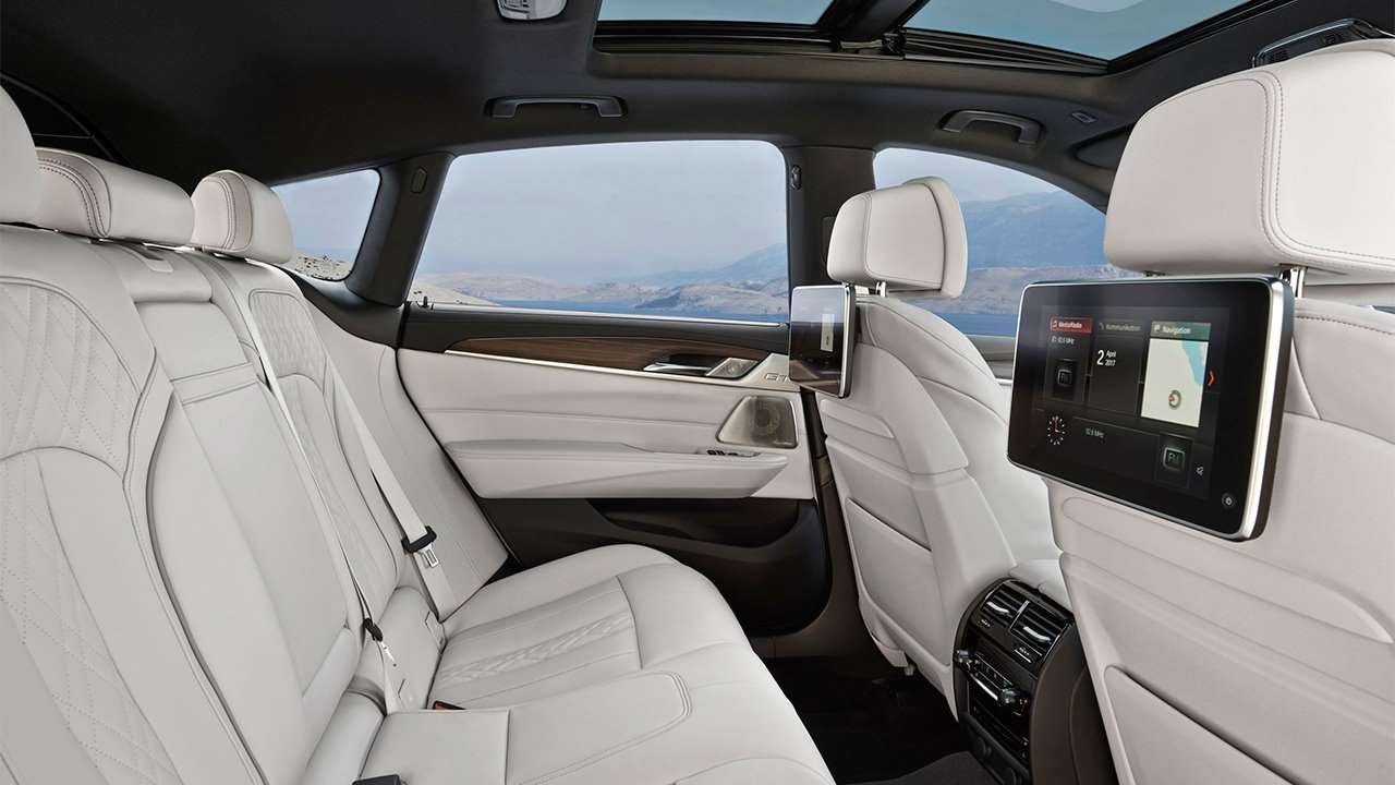 Задние сиденья G32