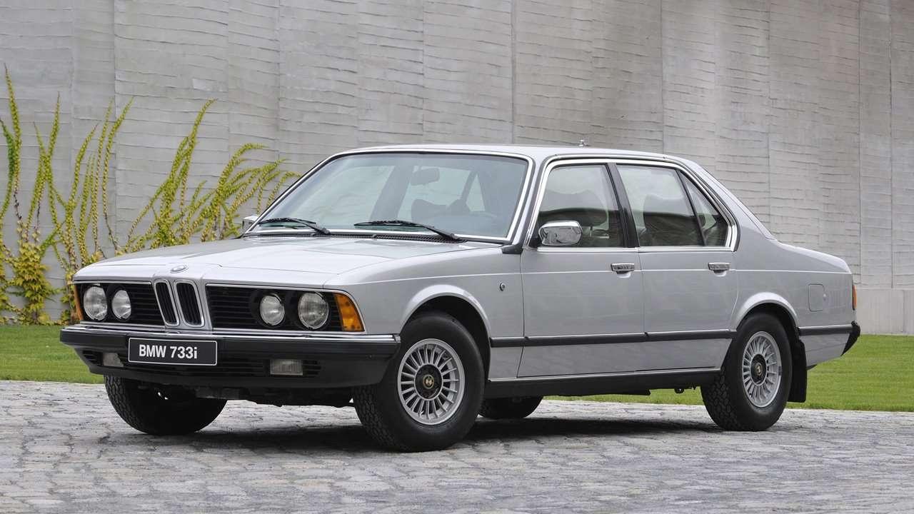 BMW 7-Series e23 фото спереди