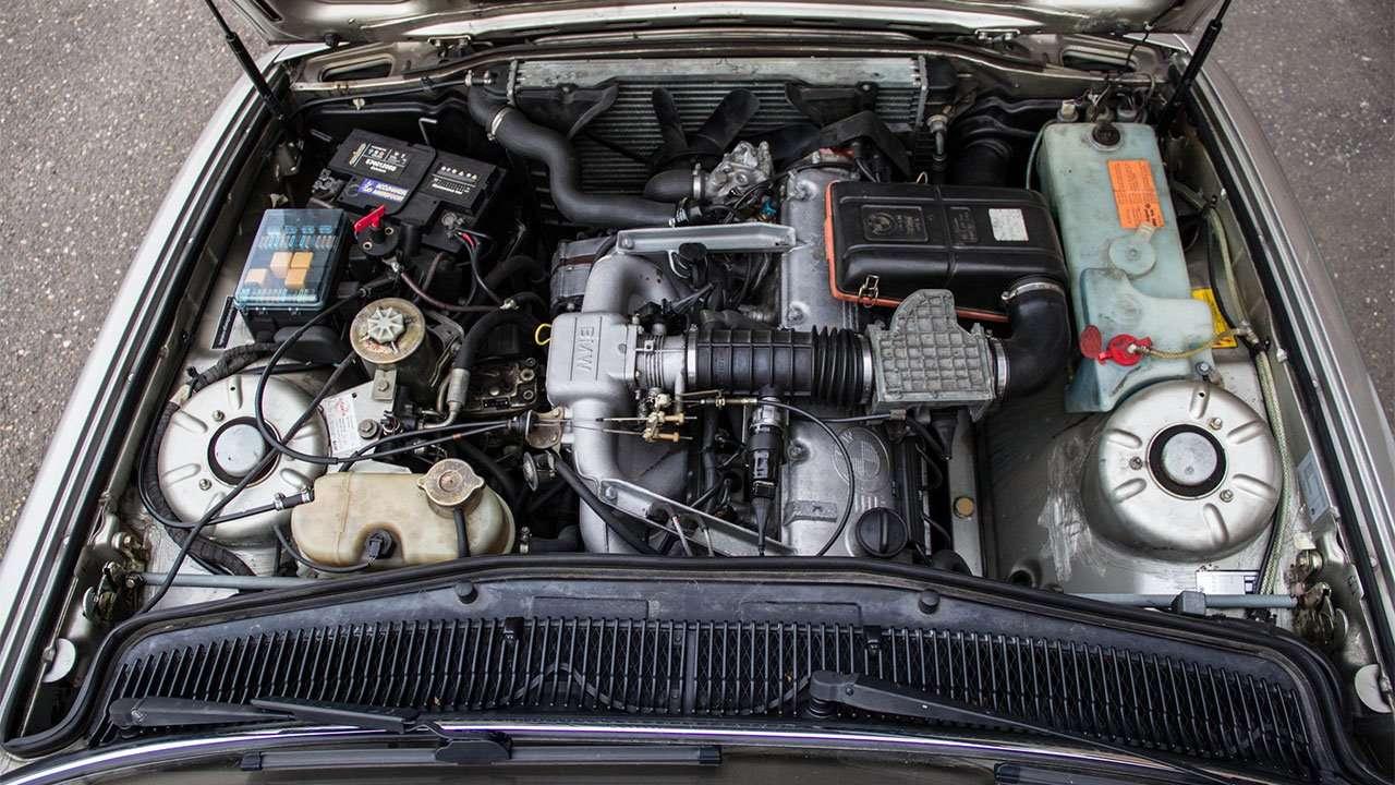 Двигатель е32