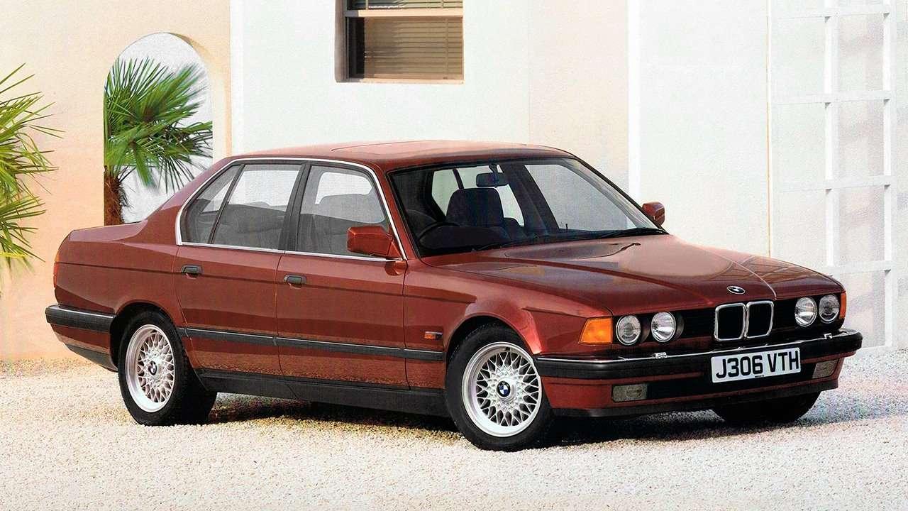 BMW 7-Series e32 фото спереди