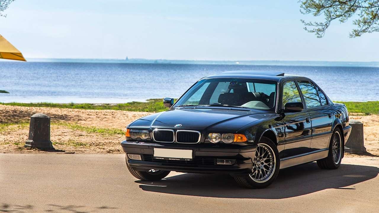 BMW 7-Series e38 фото морды