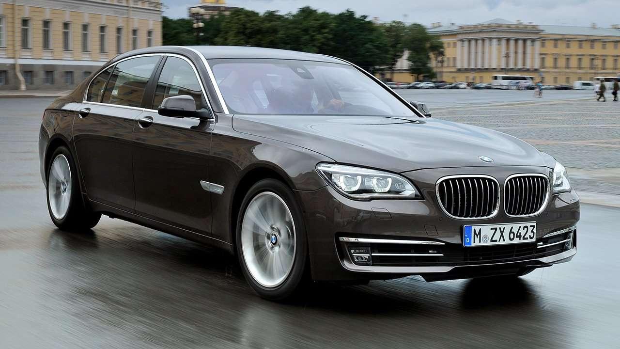 BMW 7-Series F01/F02 фото спереди