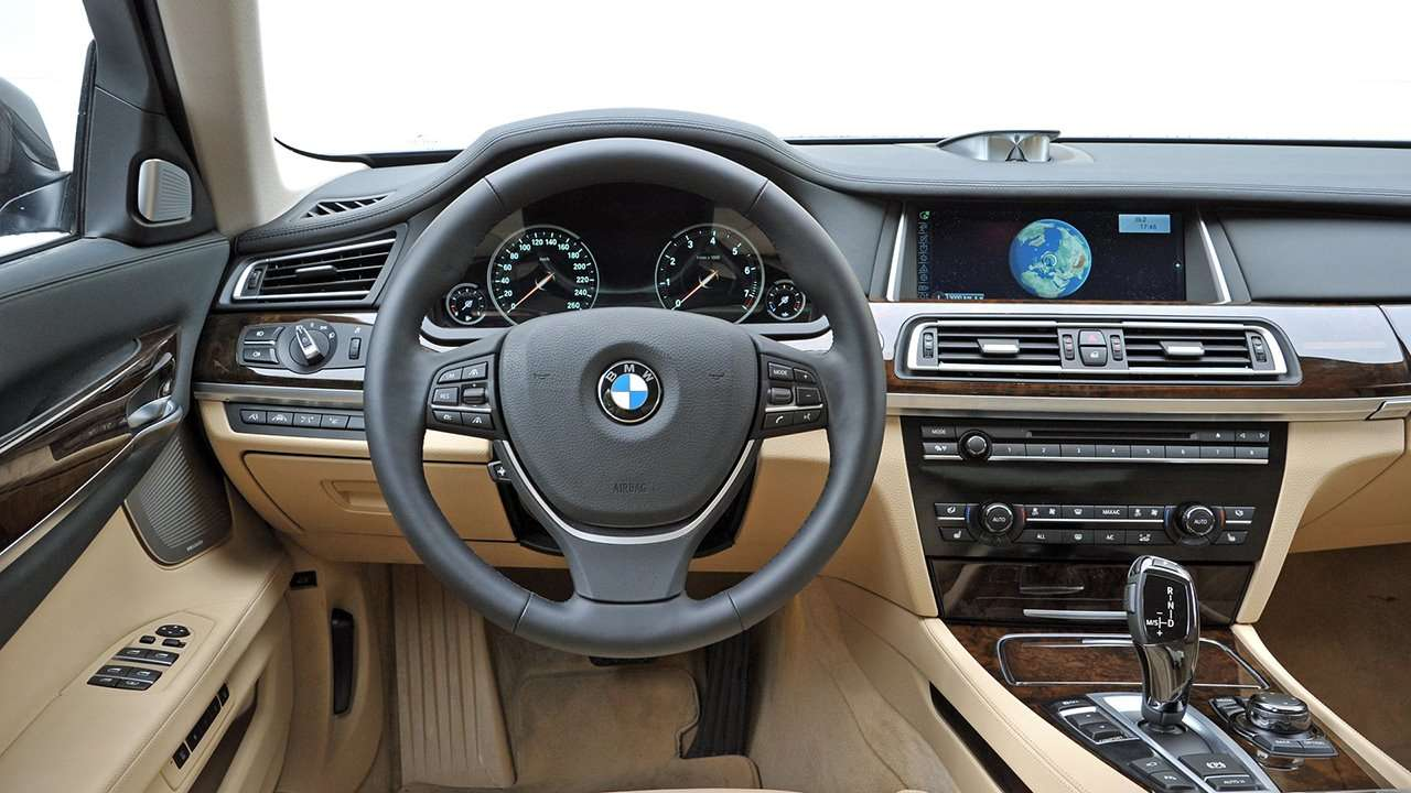 BMW 7-Series F01/F02 фото салона