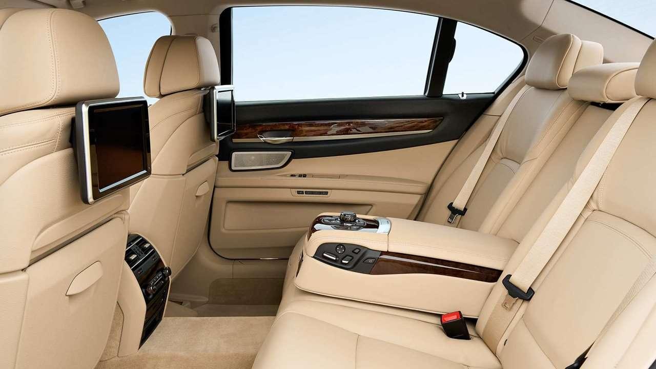 BMW 7-Series F01/F02 задние сиденья