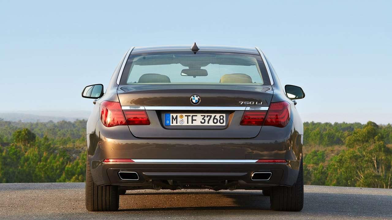 BMW 7-Series F01/F02 задняя часть