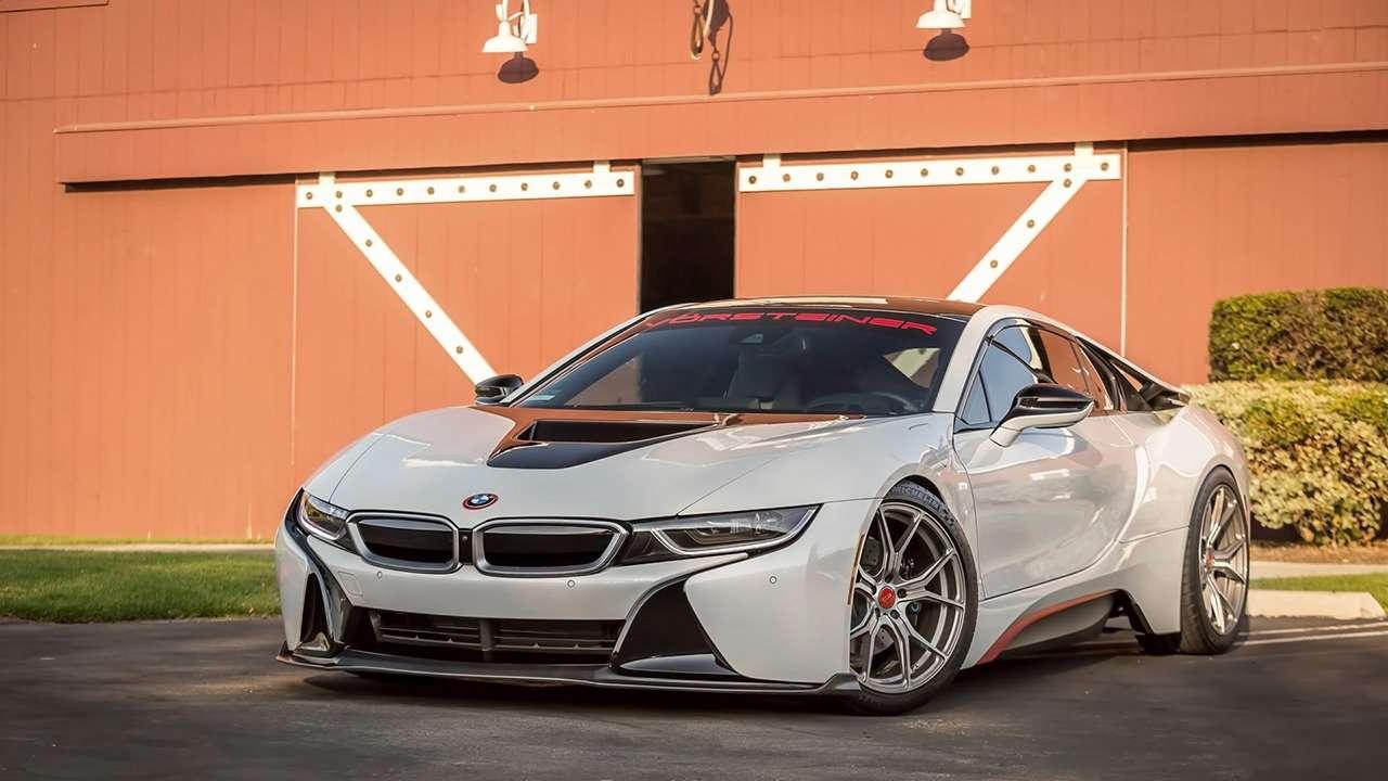 BMW i8 2020-2021 фото спереди