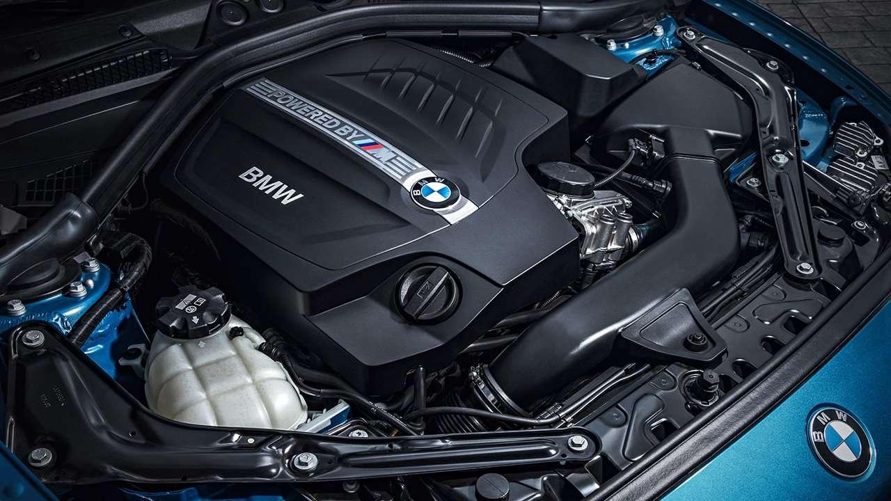BMW M2 Coupe 2020-2021 фото двигателя