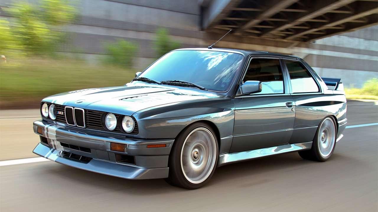 BMW M3 e30 фото спереди