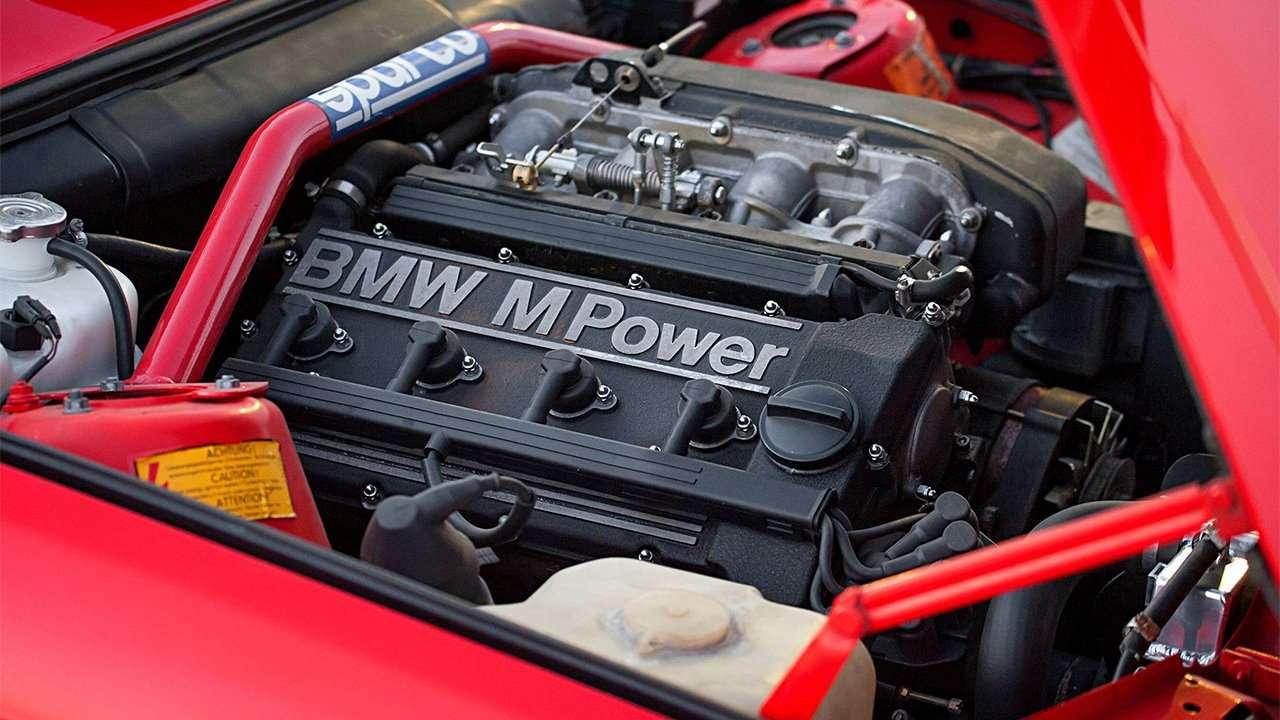 Фото двигателя БМВ М3 е30
