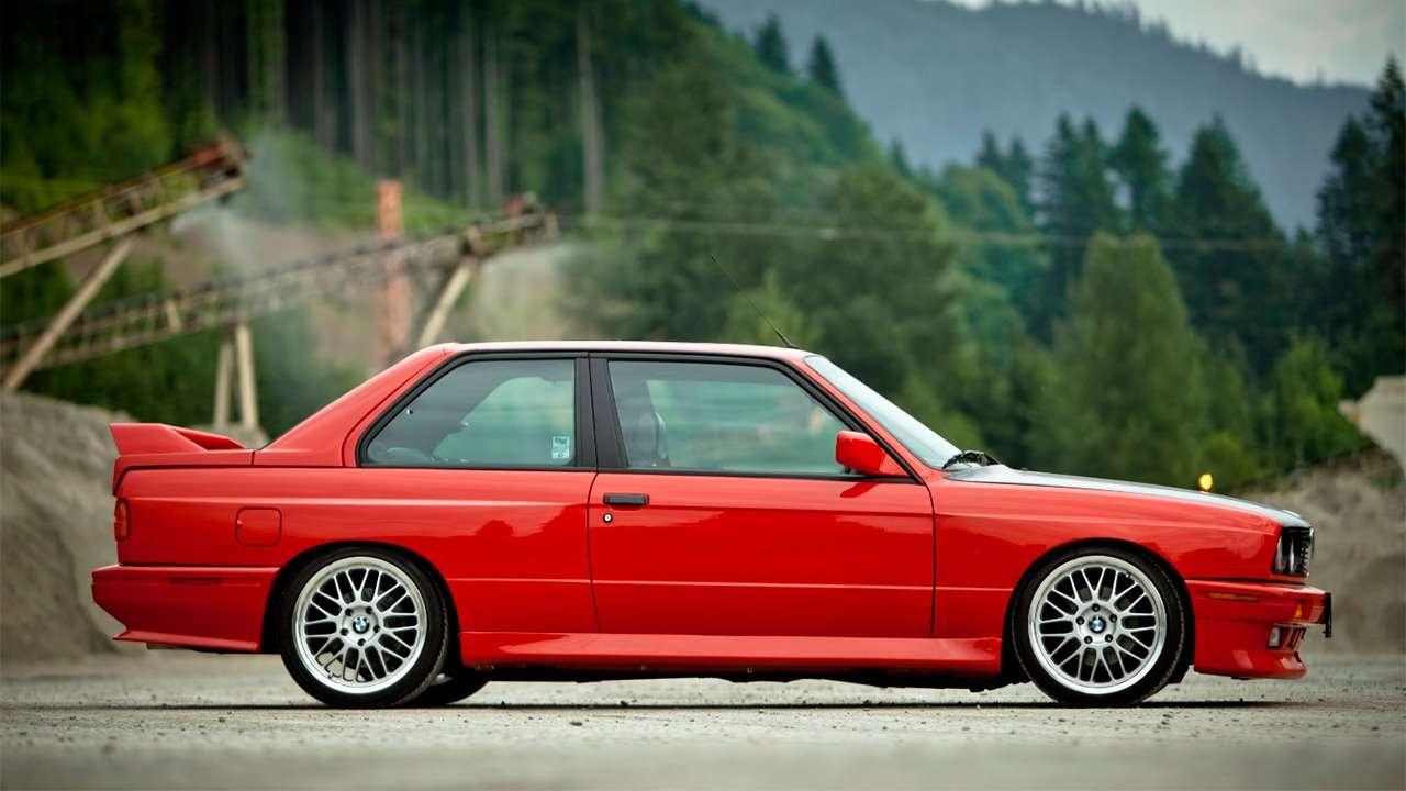 Боковая часть BMW M3 e30