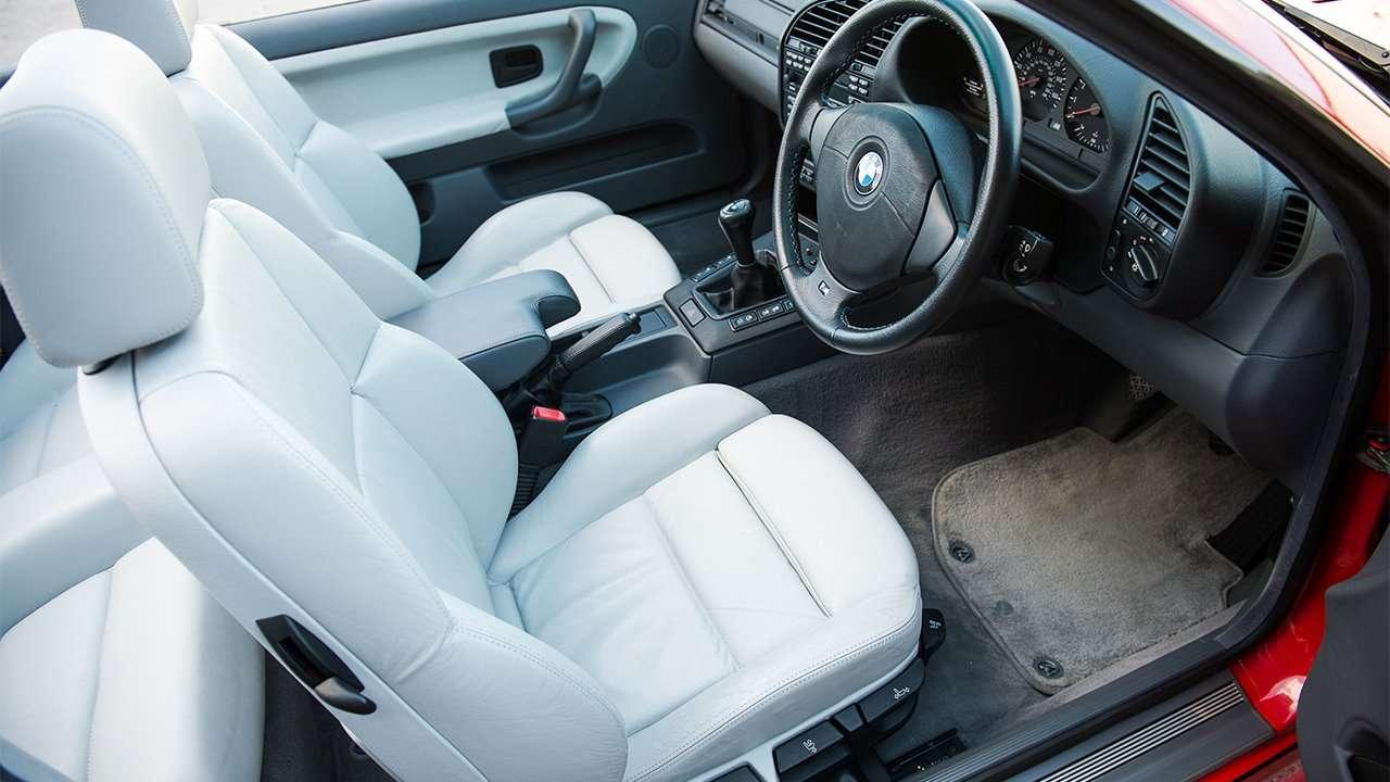 Передние сиденья спортивного M3 E36