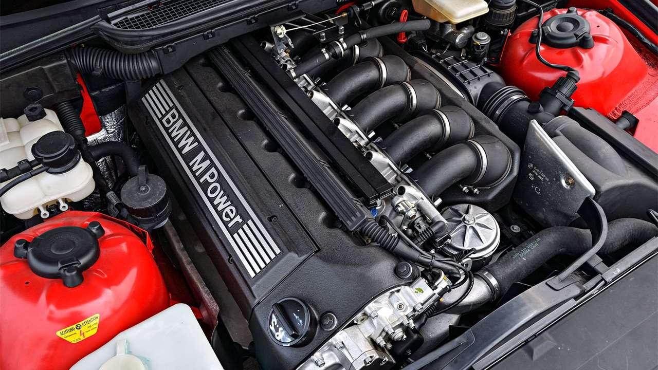 Фото мотора БМВ М3 е36