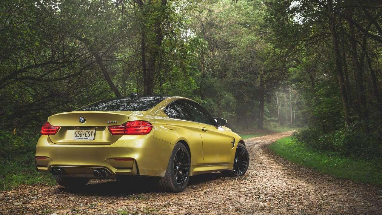 BMW M4 2020-2021 F82 интерьер