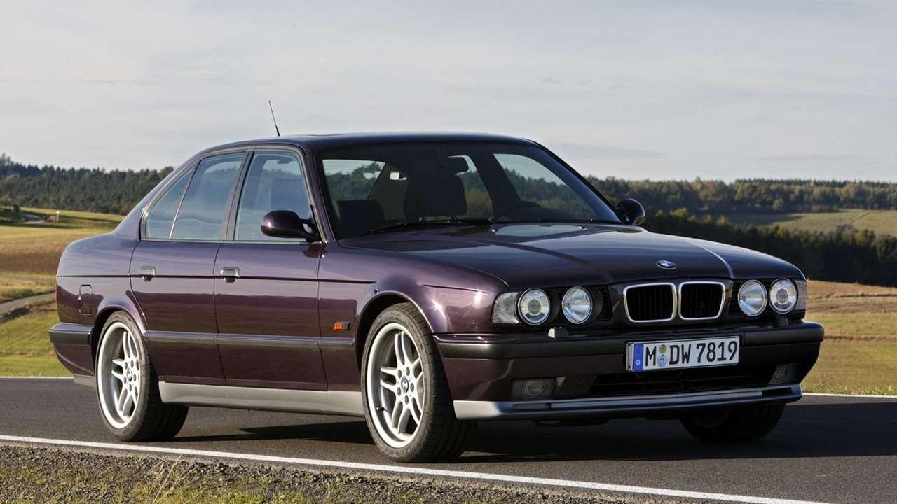 BMW M5 e34 фото спереди