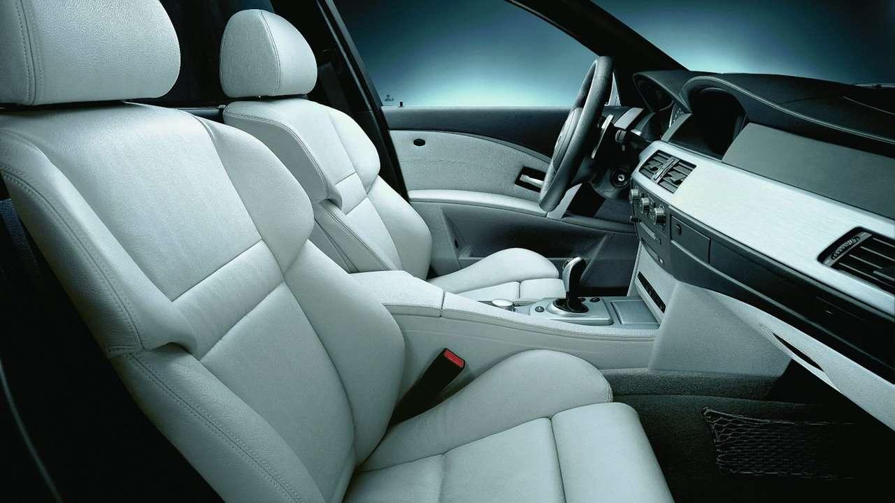BMW M5 e60 передние сиденья