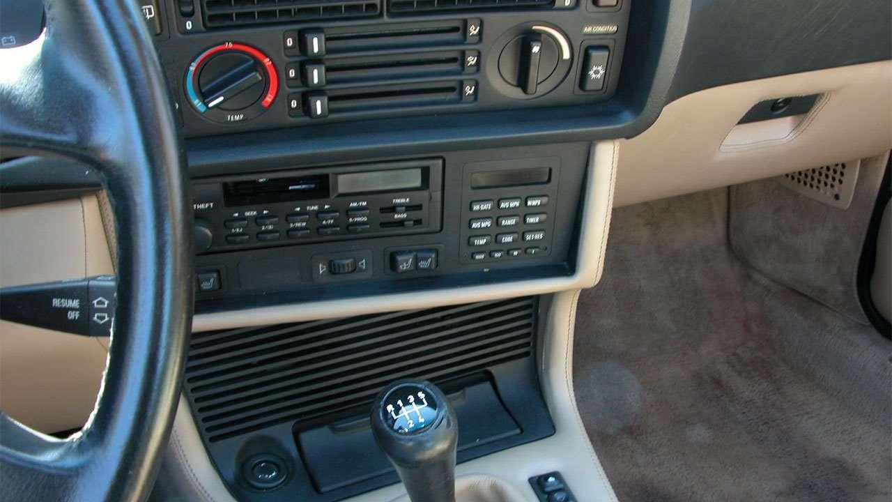 Магнитола BMW М6 е24