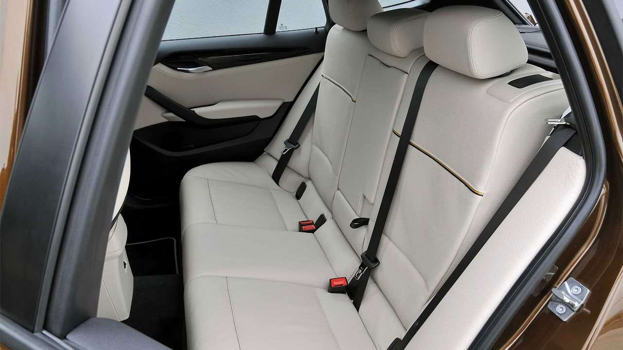 Задний диван BMW X1 e84