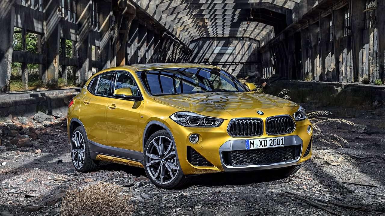Фото золотого BMW X2 2020-2021