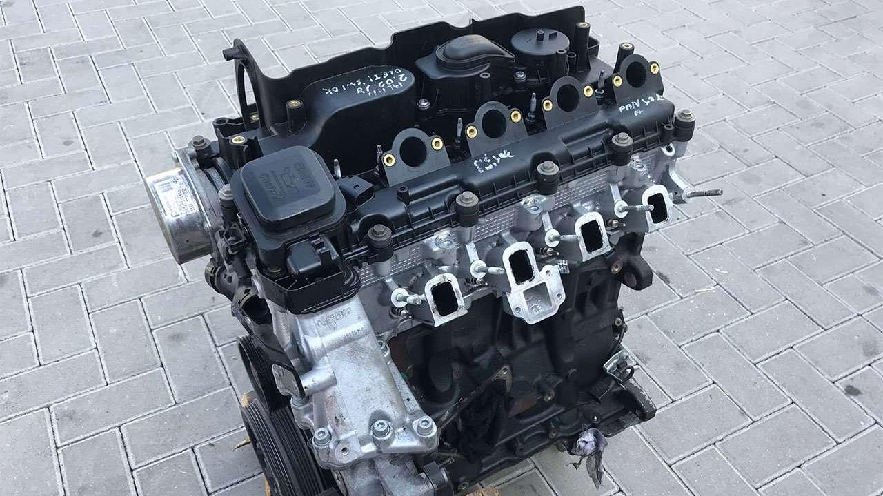 Фото двигателя БМВ X3 e83