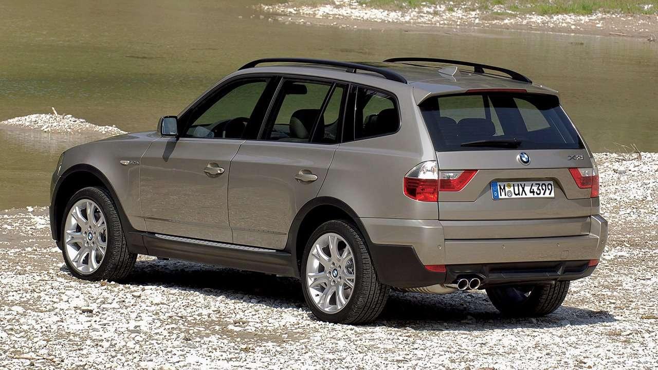 BMW X3 e83 фото сзади