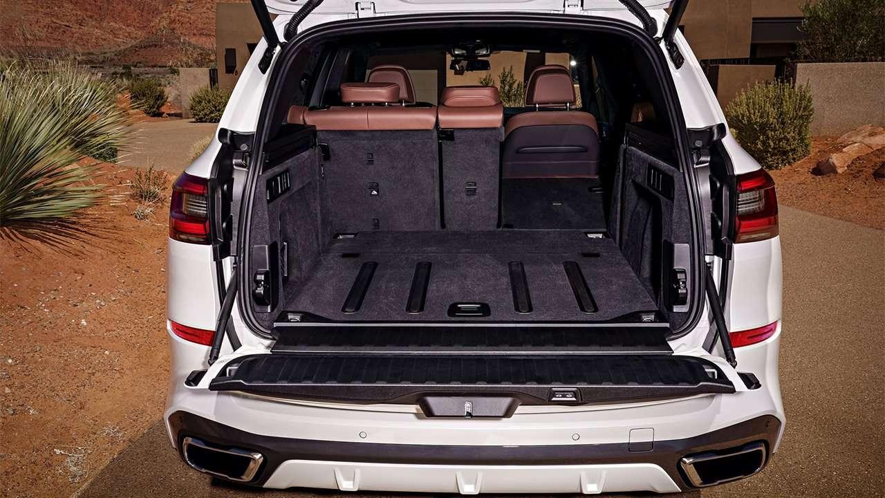 Фото багажника БМВ Х5 G05 2020-2021