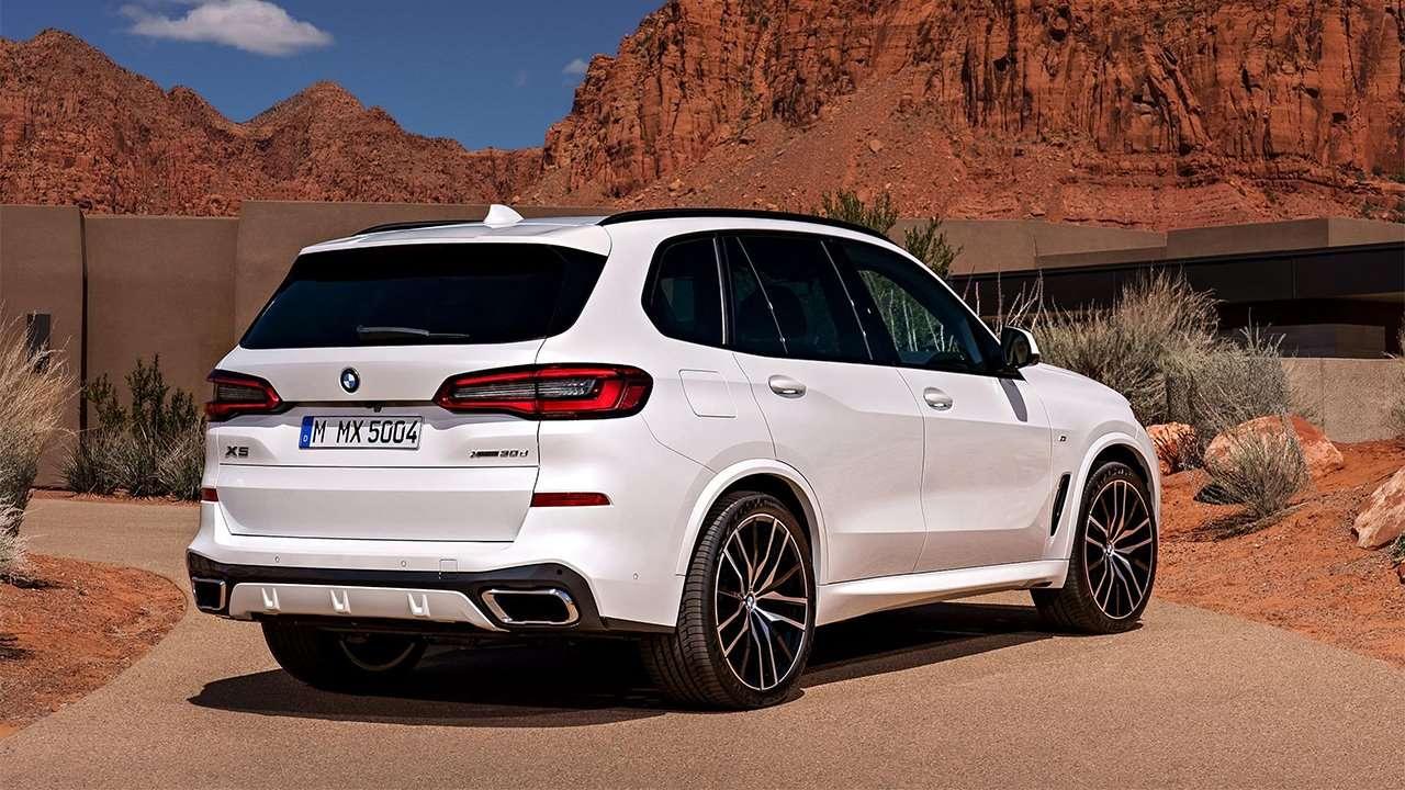 Задняя часть BMW X5 2020-2021