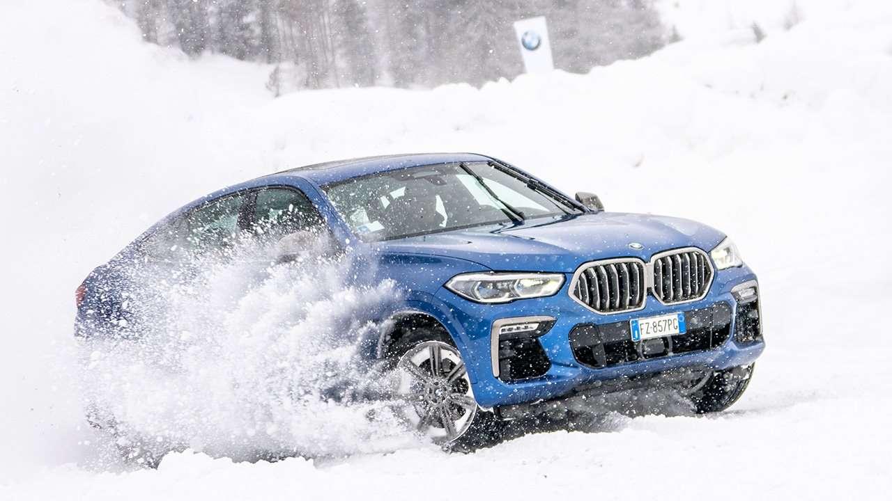 БМВ Х6 2020-2021 в снегу