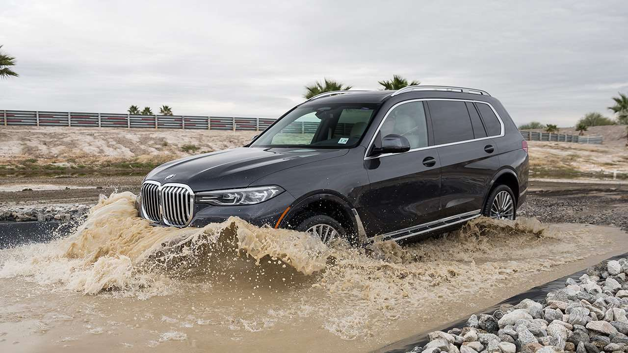 Новая BMW X7 на бездорожье