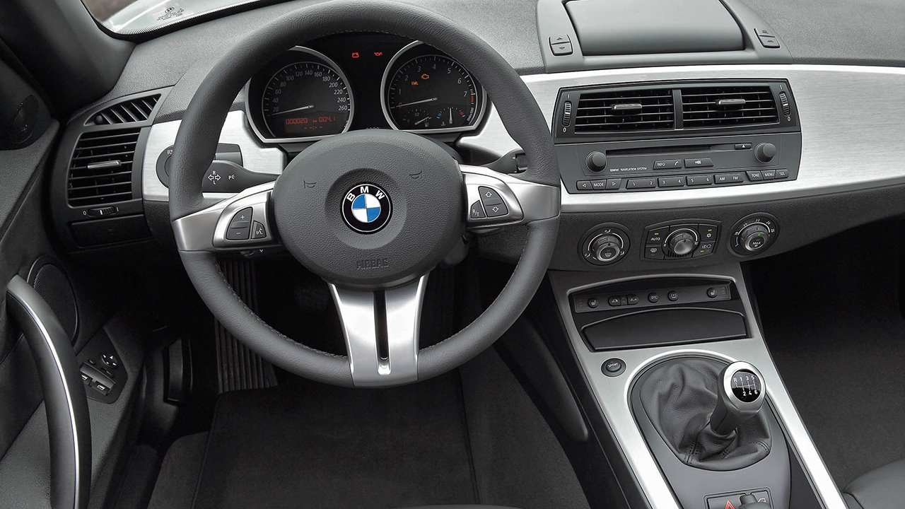 Салон BMW Z4 (e85)