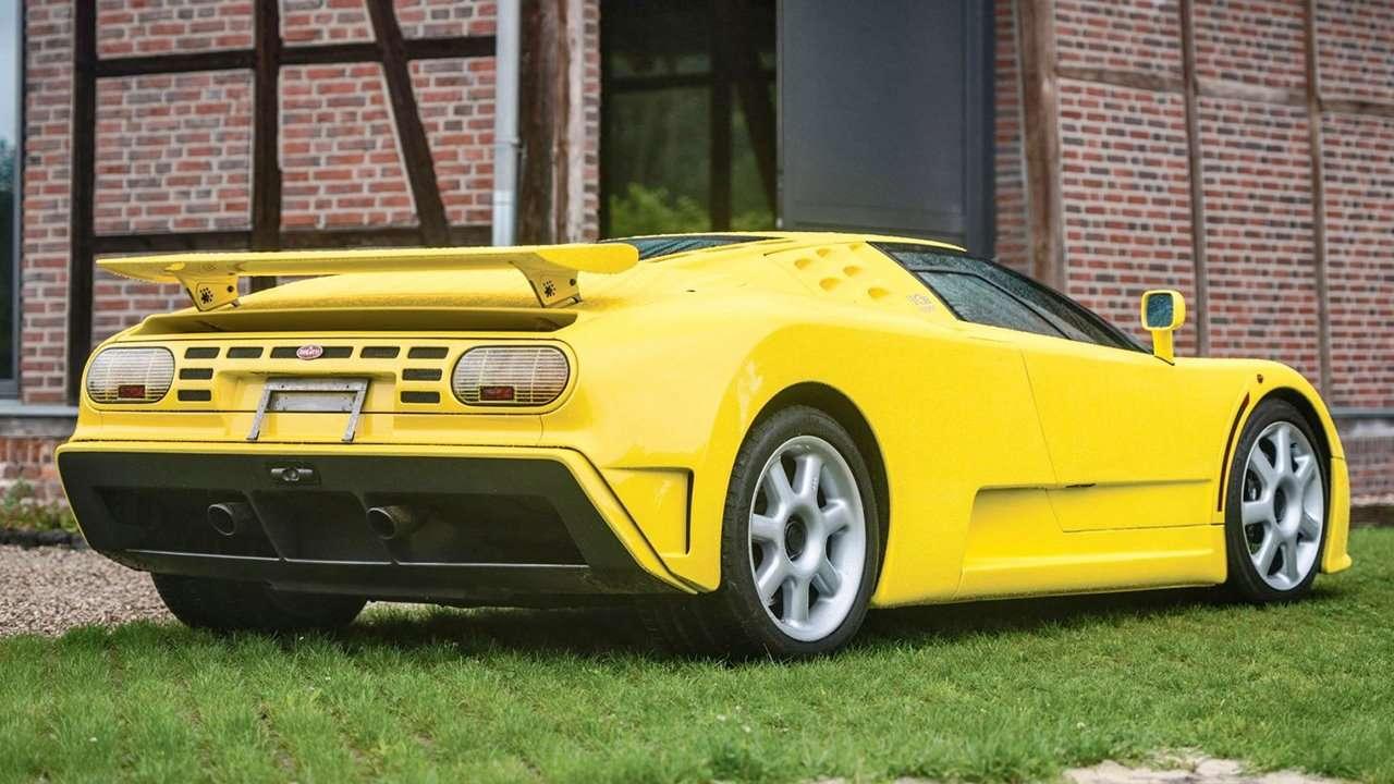 Bugatti EB 110 фото сзади